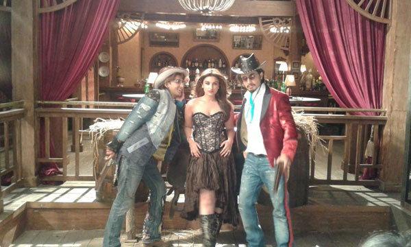 ranveer-parneeti-shoot-a-song-for-a-movie-kill-dil