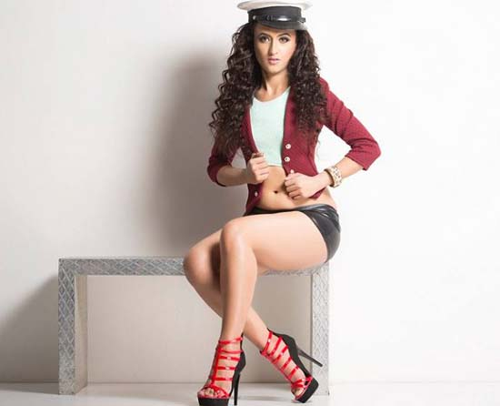 enakshi-sharma-splitsvilla-8-contestant-pic-new