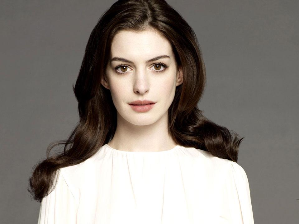 13Anne Hathaway