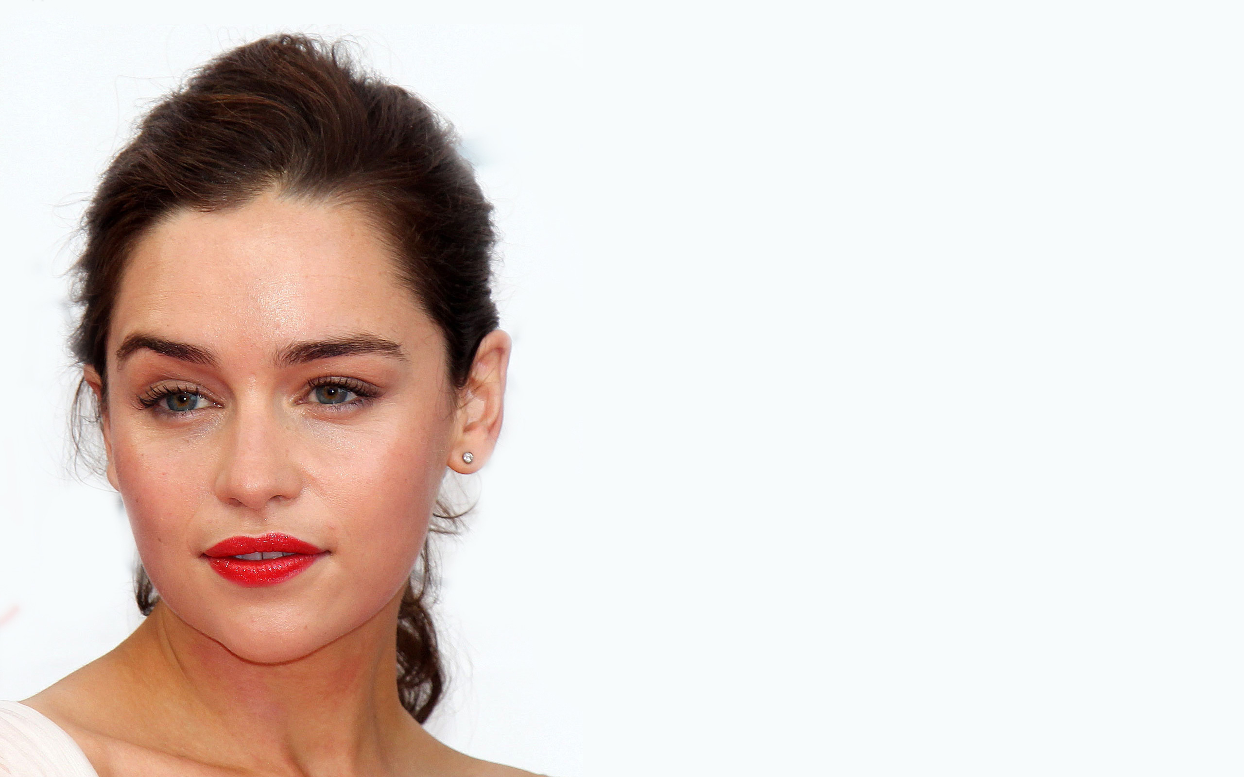 13 Awesome Pics of Game of Thrones Fame Emilia Clarke - PoPoBlog