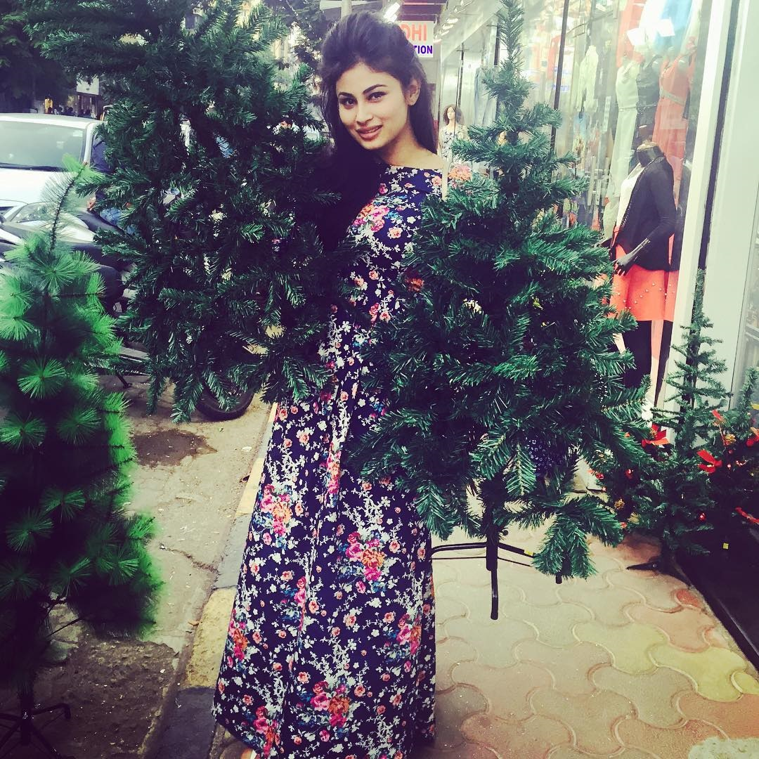This Instagram Pics of Mouni Roy Will Make You FalI In Love