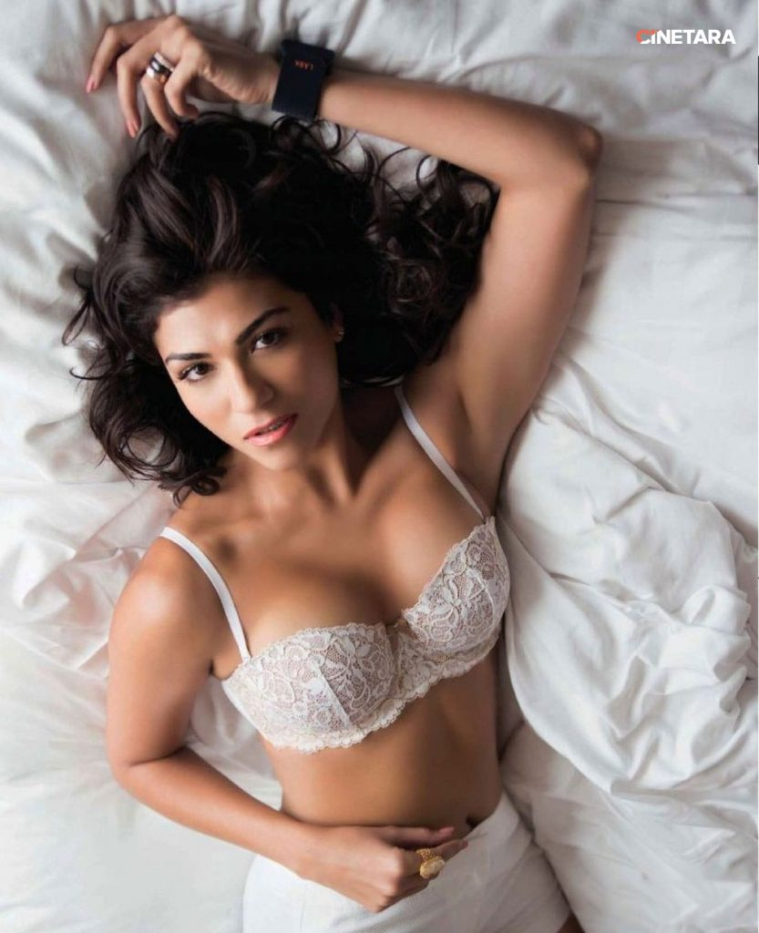1-Archana-Vijay-Hot